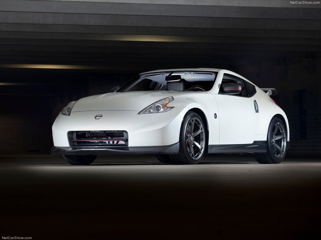 Nissan-370Z_Nismo_2014_1024x768_wallpaper_03