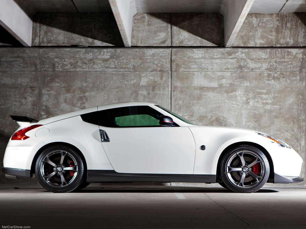 Nissan-370Z_Nismo_2014_1024x768_wallpaper_07
