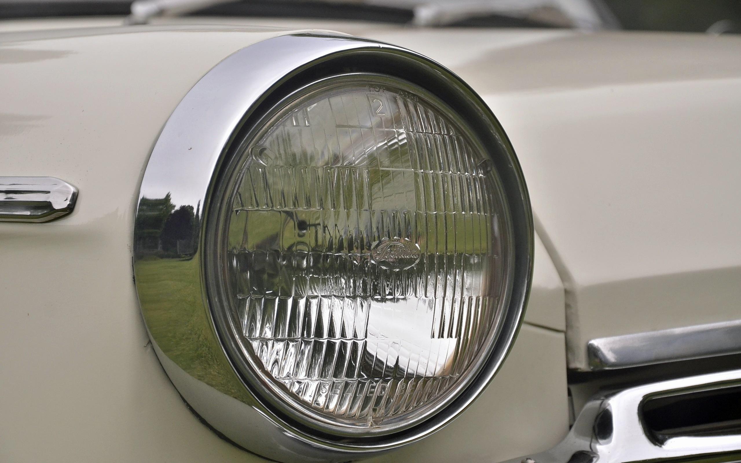 1965_Datsun_L320-05