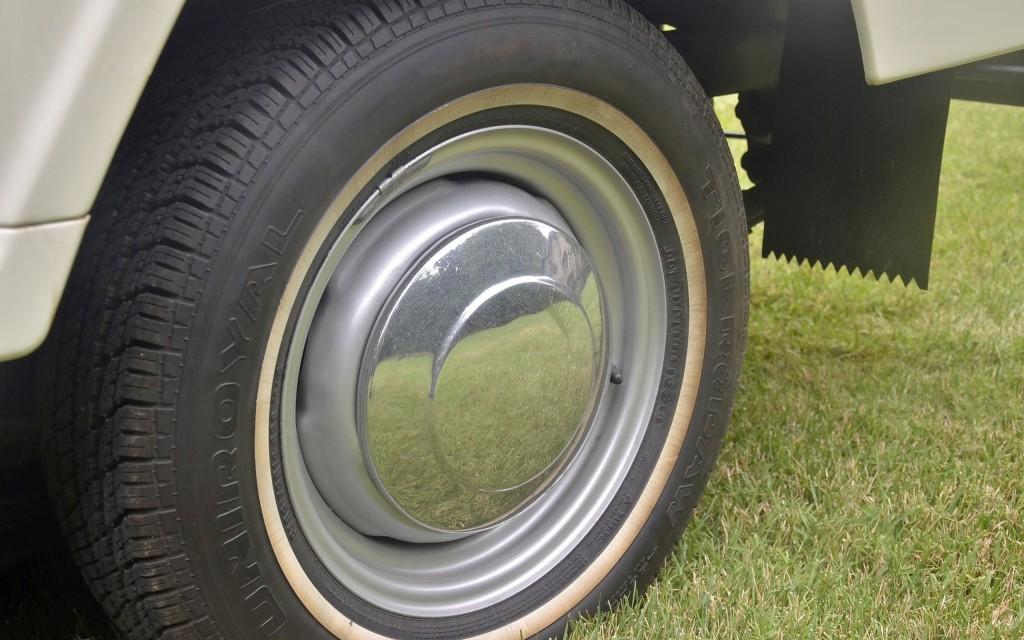 1965_Datsun_L320-19