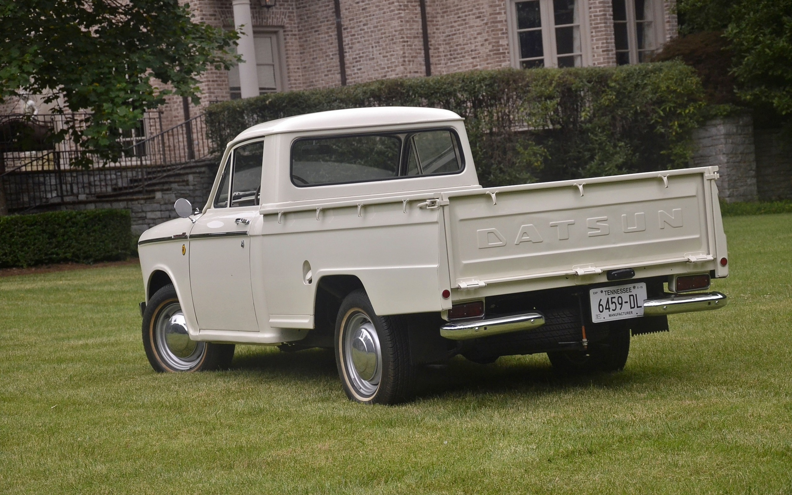 1965_Datsun_L320-21