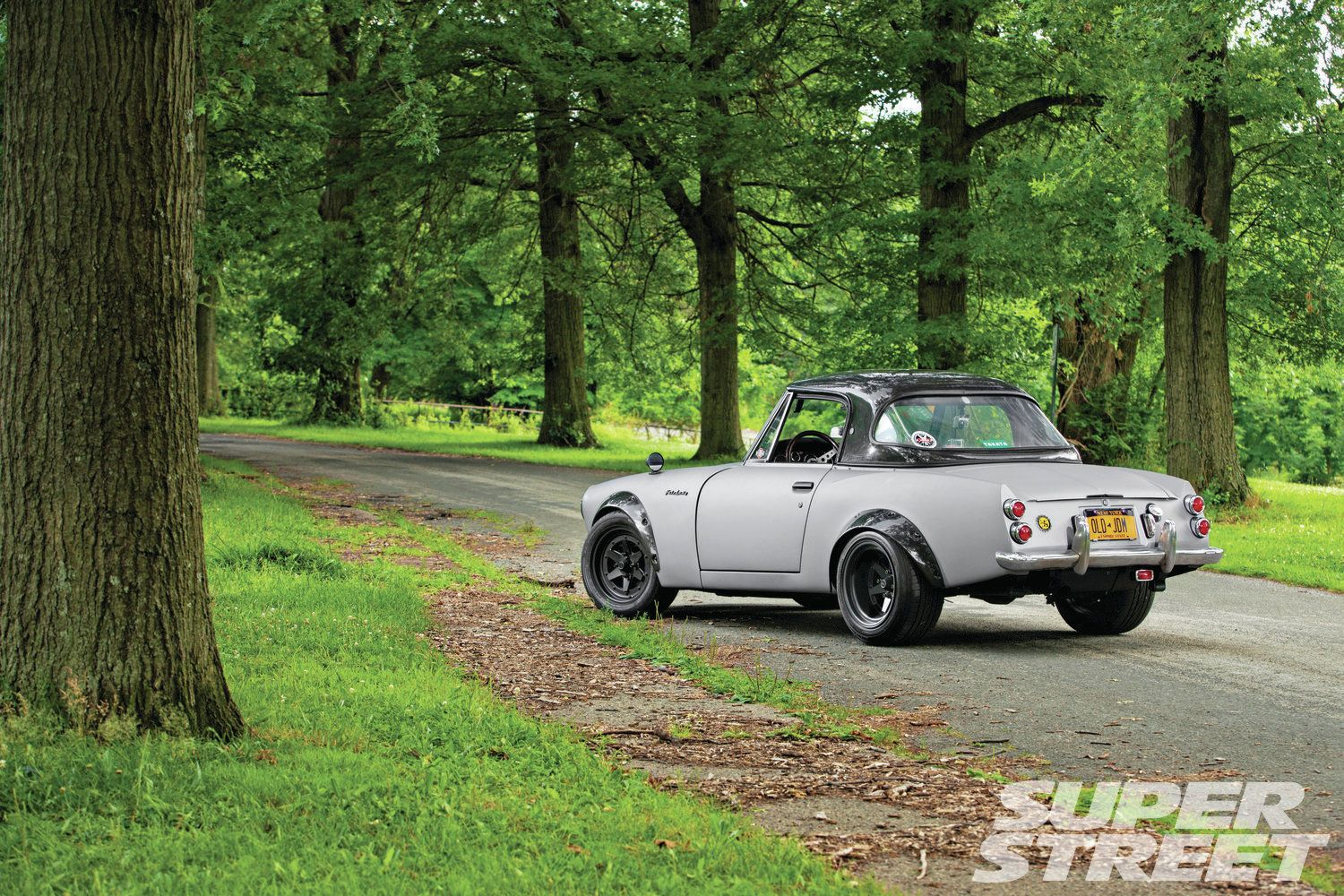 1968-datsun-roadster-2000-drift-II-harness